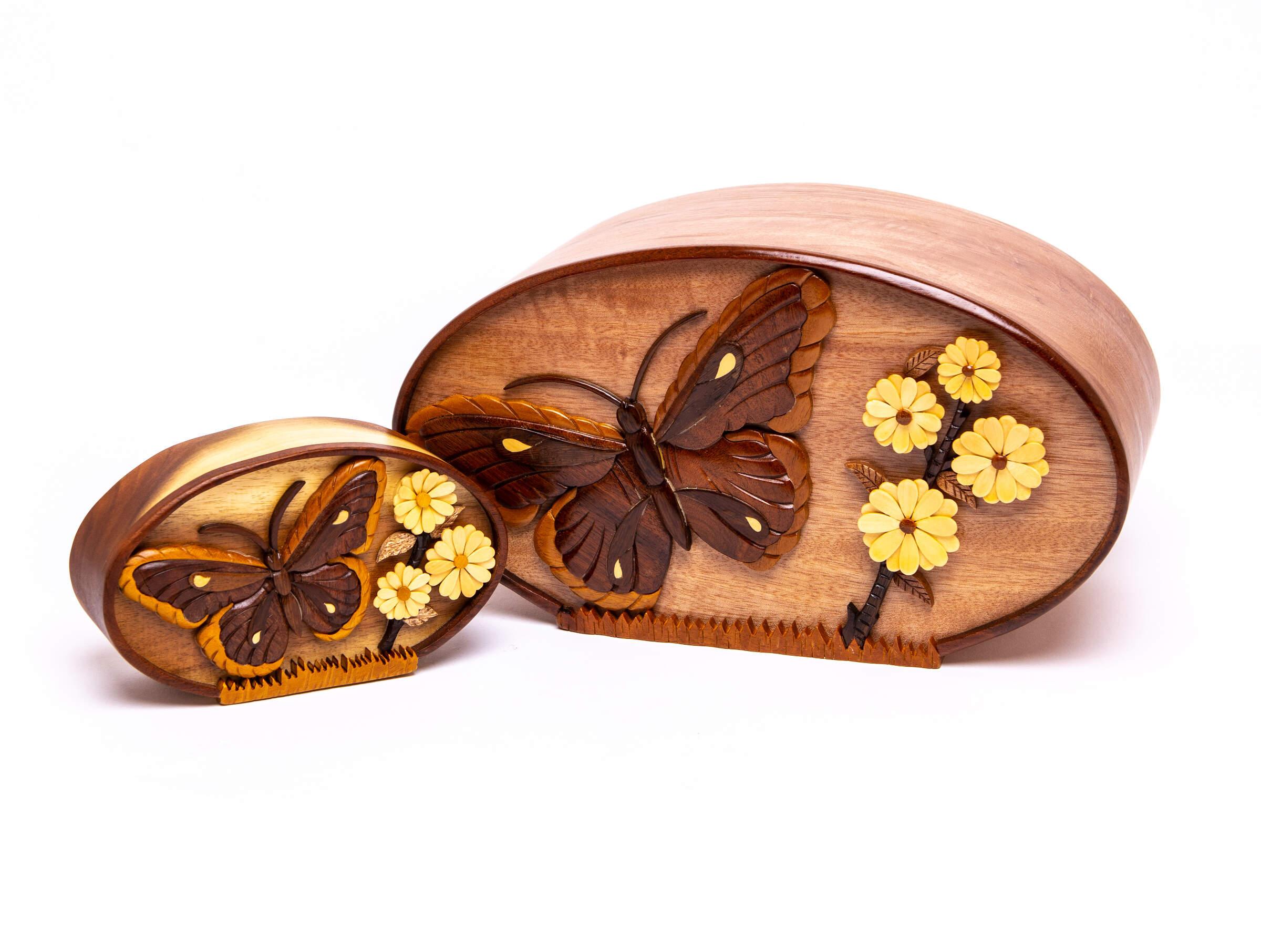 Butterfly w/ Daisy